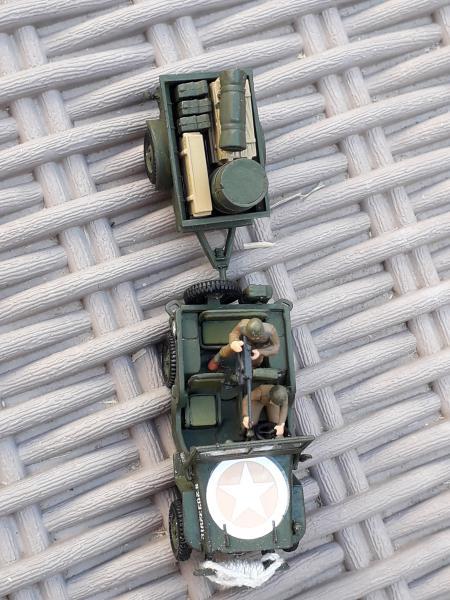 Jeep US 1/72 elle est finie!!!! - Page 2 1410