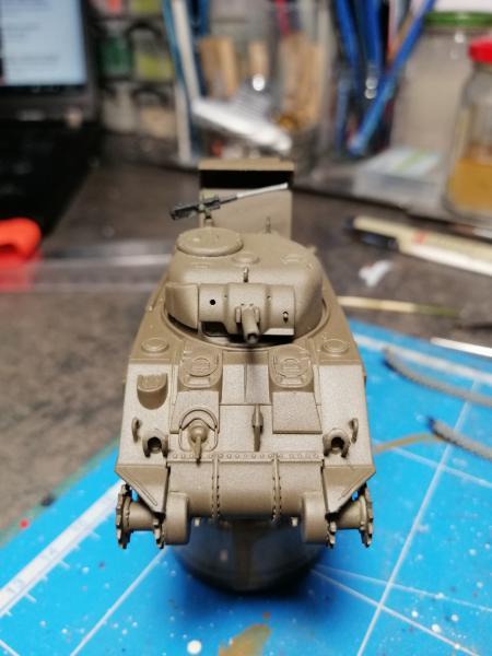 Sherman M4 Heller 1/72 FINI!!!!! avec son socle 1446