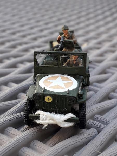 Jeep US 1/72 elle est finie!!!! - Page 2 1510