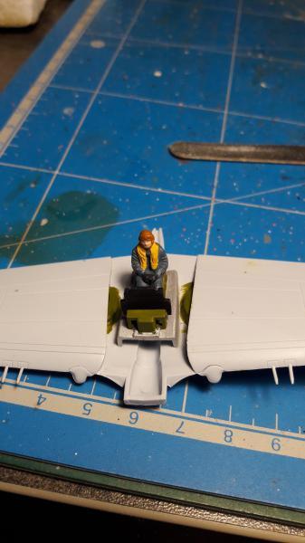 Curtiss Tomahawk Mk.IIB 1/72 de chez Airfix Avec son socle FINI!!!!!!! 1527
