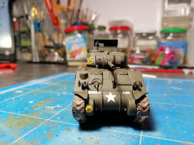 Sherman M4 Heller 1/72 FINI!!!!! avec son socle 1843