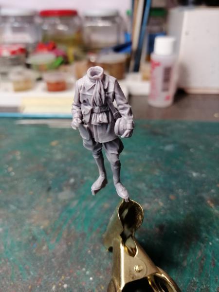 Question couleurs pour ces figurines WW2 2124