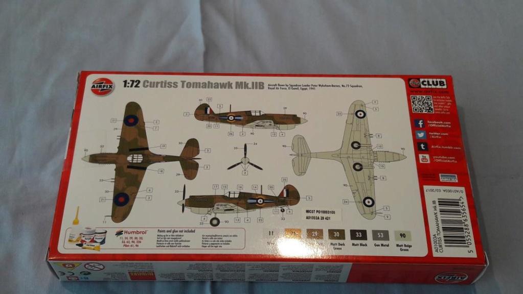 Ouvre boite Curtis Tomahawk Mk.IIB 1/72 de chez Airfix 236