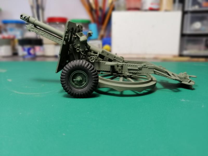 British 25 PDR. Field Gun & Quag Gun Tractor Canadian Ford F.G.T. Tamiya  1/35 2536