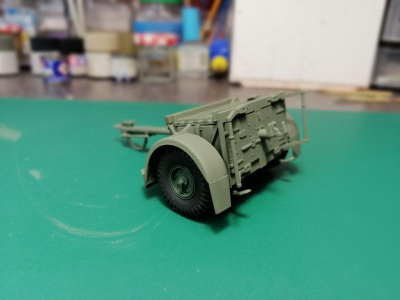 British 25 PDR. Field Gun & Quag Gun Tractor Canadian Ford F.G.T. Tamiya  1/35 2638