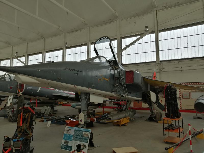 visite du petit musée de l'aéronaval de Rochefort 269