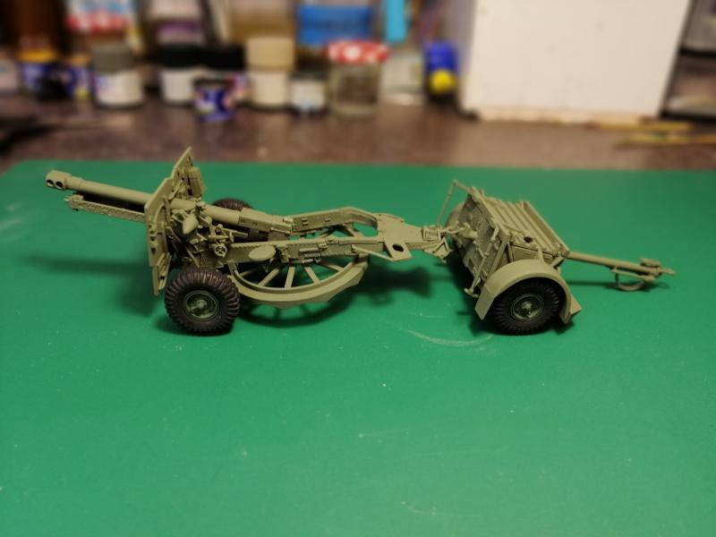 British 25 PDR. Field Gun & Quag Gun Tractor Canadian Ford F.G.T. Tamiya  1/35 2935