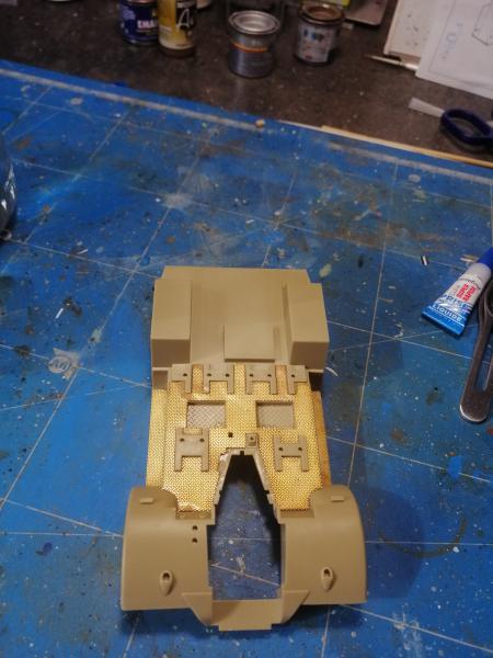 British 25 PDR. Field Gun & Quag Gun Tractor Canadian Ford F.G.T. Tamiya  1/35 - Page 2 3536