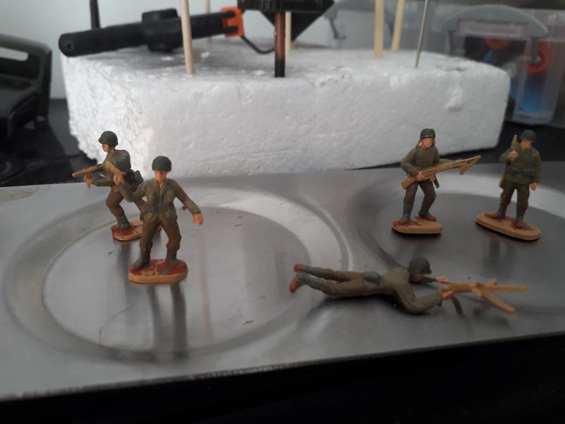 Quelle couleur pour les armes de mes soldats d'infanterie US fini!!! 3910