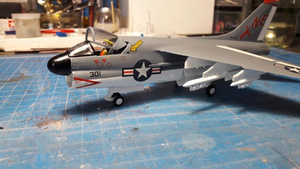 A-7A Corsair 2 1/72 clap de fin !!!!!!!! - Page 2 4216