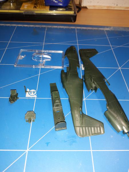 Ouvre-boite: P-51B Mustang de chez Revell 422