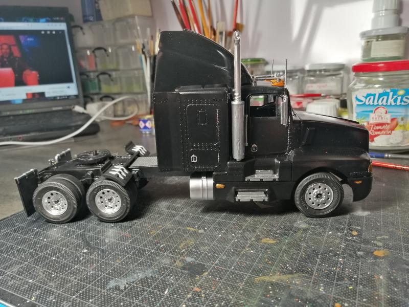 Kenworth Truck AC/DC REVELL 1/32 - Page 2 4622