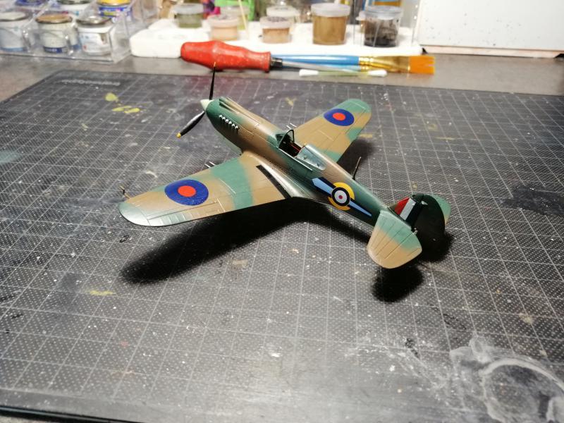 Curtiss Tomahawk Mk.IIB 1/72 de chez Airfix Avec son socle FINI!!!!!!! 4719