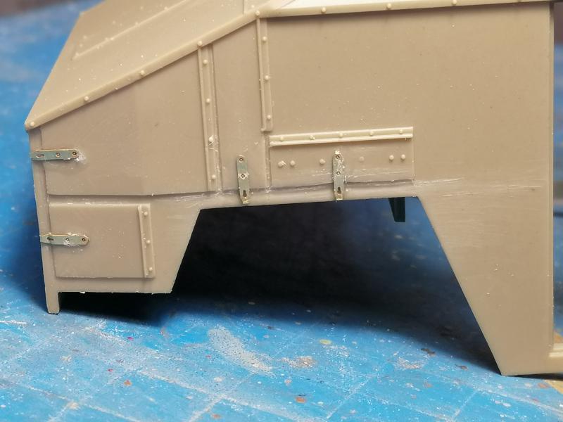 British 25 PDR. Field Gun & Quag Gun Tractor Canadian Ford F.G.T. Tamiya  1/35 - Page 2 4727
