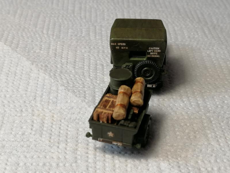 Jeep Heller de la boite à rabiot 1/72 FINI!!!!!!!!!! 493