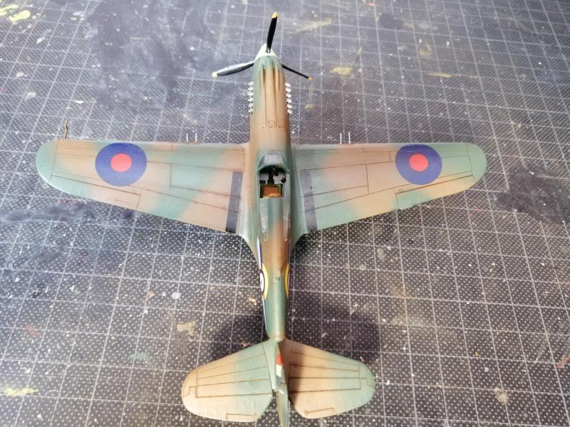 Curtiss Tomahawk Mk.IIB 1/72 de chez Airfix Avec son socle FINI!!!!!!! 5115