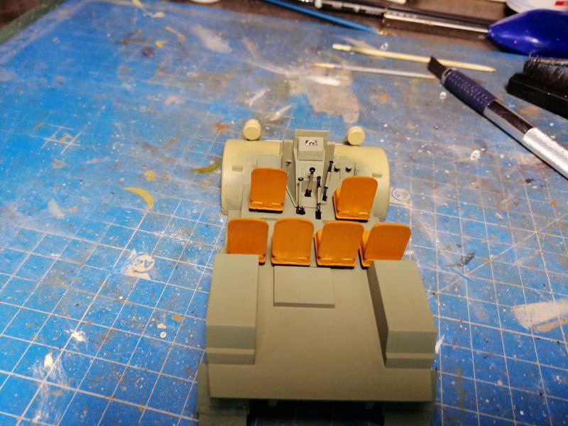 British 25 PDR. Field Gun & Quag Gun Tractor Canadian Ford F.G.T. Tamiya  1/35 - Page 2 5422