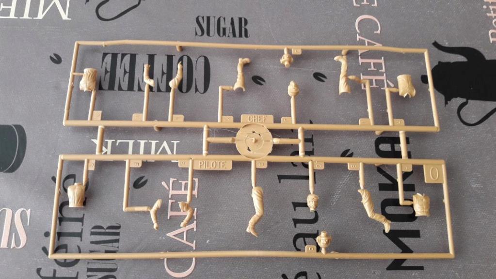 Ouvre boite AMX 30/105 de chez Heller au 1/35ème 550