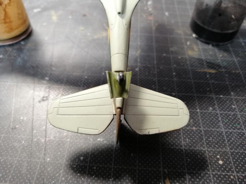 Curtiss Tomahawk Mk.IIB 1/72 de chez Airfix Avec son socle FINI!!!!!!! 5515