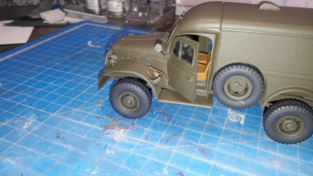 Dodge ambulance WC 54 1/35 Italier iVraiment FINI !!!!!!  - Page 2 5613