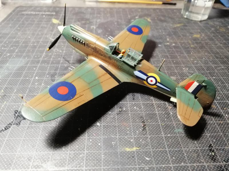 Curtiss Tomahawk Mk.IIB 1/72 de chez Airfix Avec son socle FINI!!!!!!! - Page 2 5615