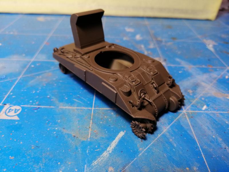 Sherman M4 Heller 1/72 FINI!!!!! avec son socle 583