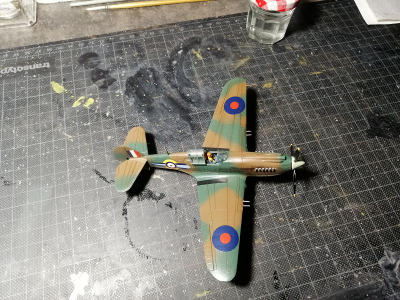 Curtiss Tomahawk Mk.IIB 1/72 de chez Airfix Avec son socle FINI!!!!!!! - Page 2 5915