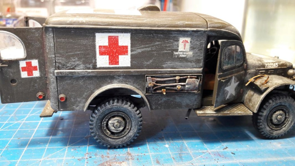 Dodge ambulance WC 54 1/35 Italier iVraiment FINI !!!!!!  - Page 2 6113