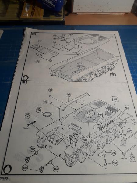 Ouvre boite Renault R35 1/35 Heller/Humbrol 620