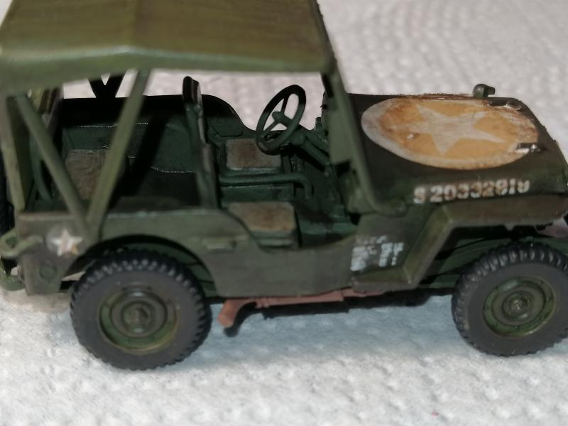 Jeep Heller de la boite à rabiot 1/72 FINI!!!!!!!!!! 681