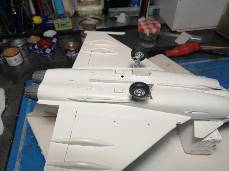 Rafale A 1/48 Heller - Page 3 7215