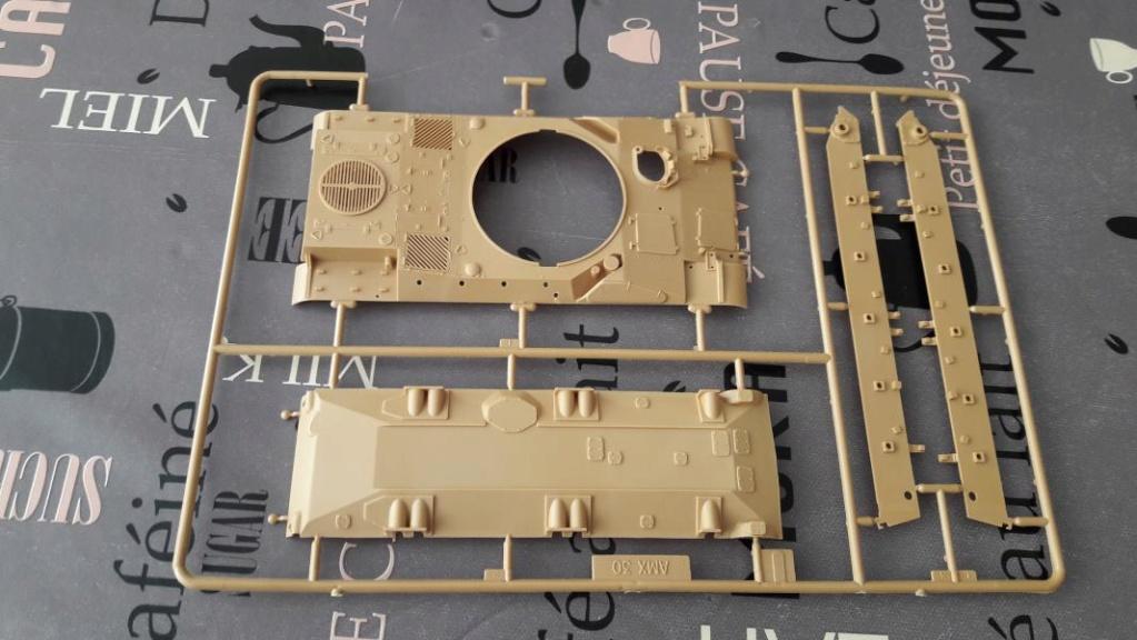 Ouvre boite AMX 30/105 de chez Heller au 1/35ème 838