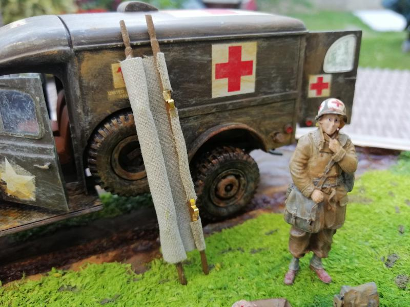 Dodge ambulance WC 54 1/35 Italier iVraiment FINI !!!!!!  - Page 6 8713