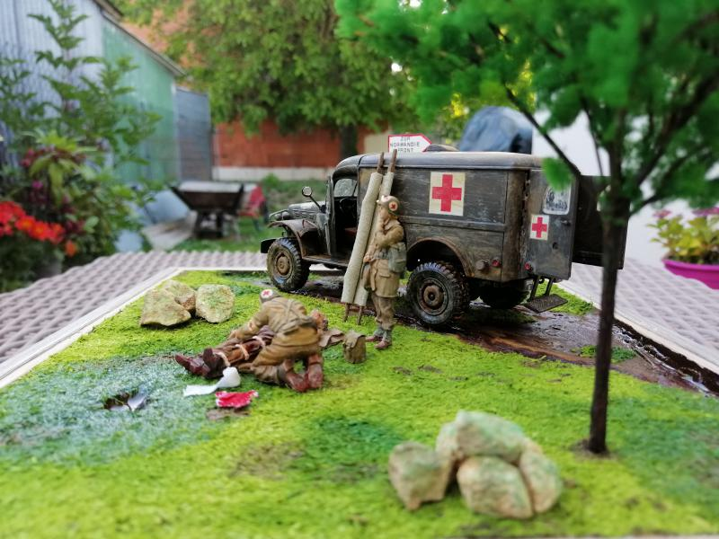 Dodge ambulance WC 54 1/35 Italier iVraiment FINI !!!!!!  - Page 6 9013