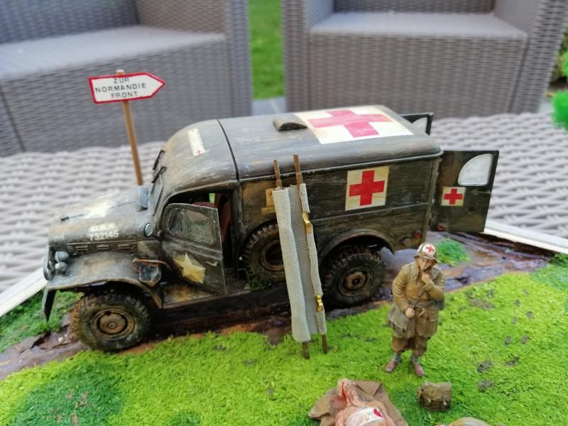 Dodge ambulance WC 54 1/35 Italier iVraiment FINI !!!!!!  - Page 6 9113