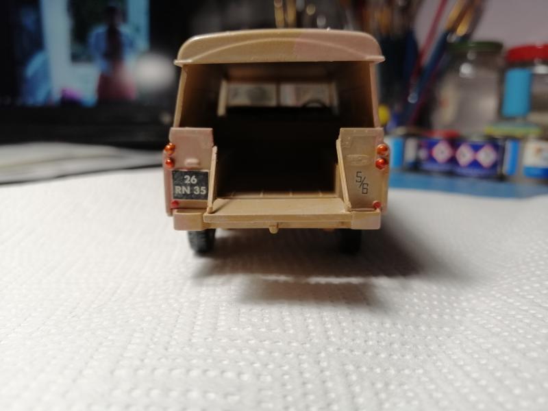 Landrover Série III (109'' /LWB)'' Revell 1/35 FINI !!!!!!!!!!!!!! Mini_i17