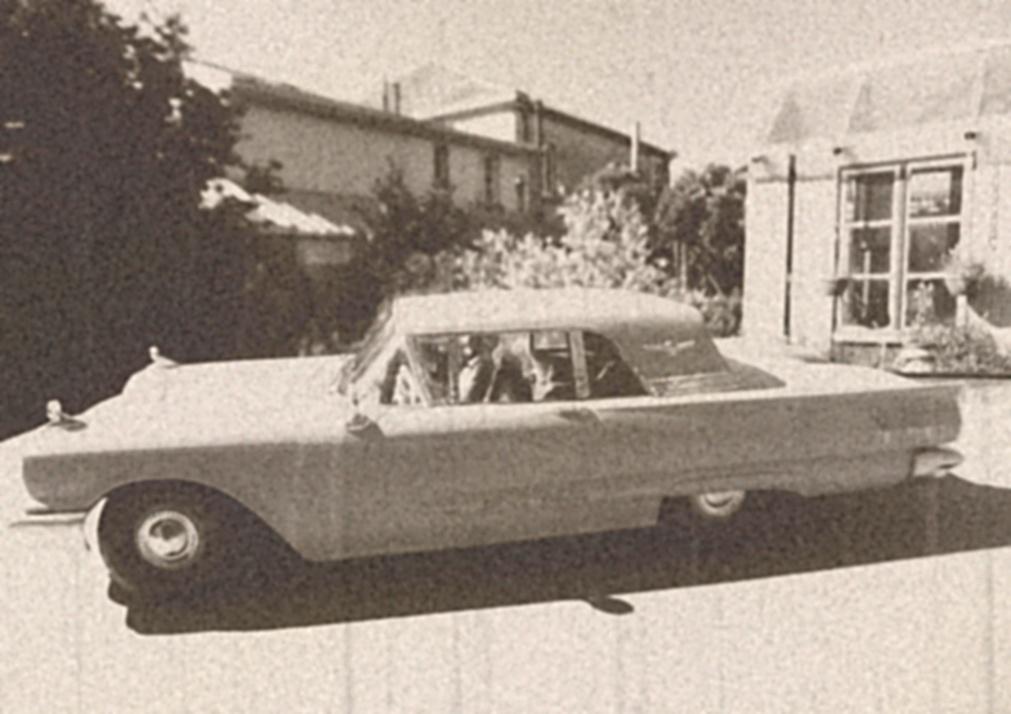 Défi montage maquette : AMT réf. 1135 1960 Ford Thunderbird 1/32 *** Terminé en pg 4 - Page 4 Montag10