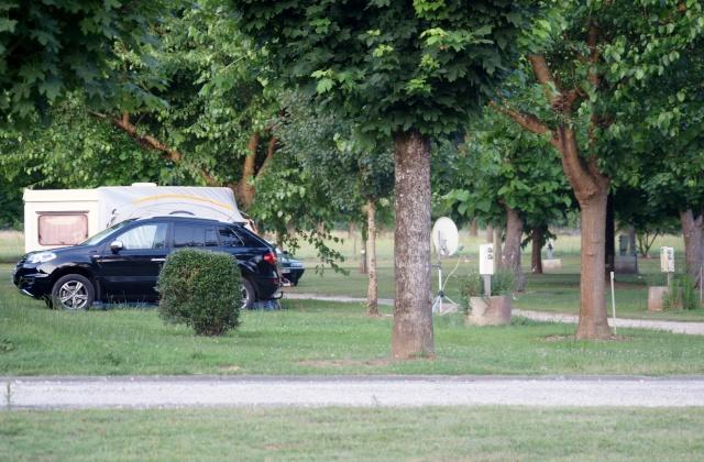 Camping La Guillou à Lalinde (Dordogne) au printemps  2015 Dsc02413