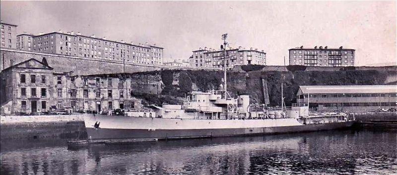 * LE VERRIER (1947/1952) * Brest_10