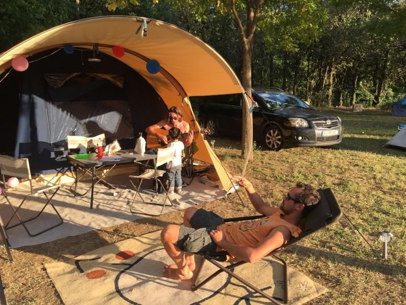 Camping municipal du pont vieux à Avèze (30) Cévènnes Img_5025