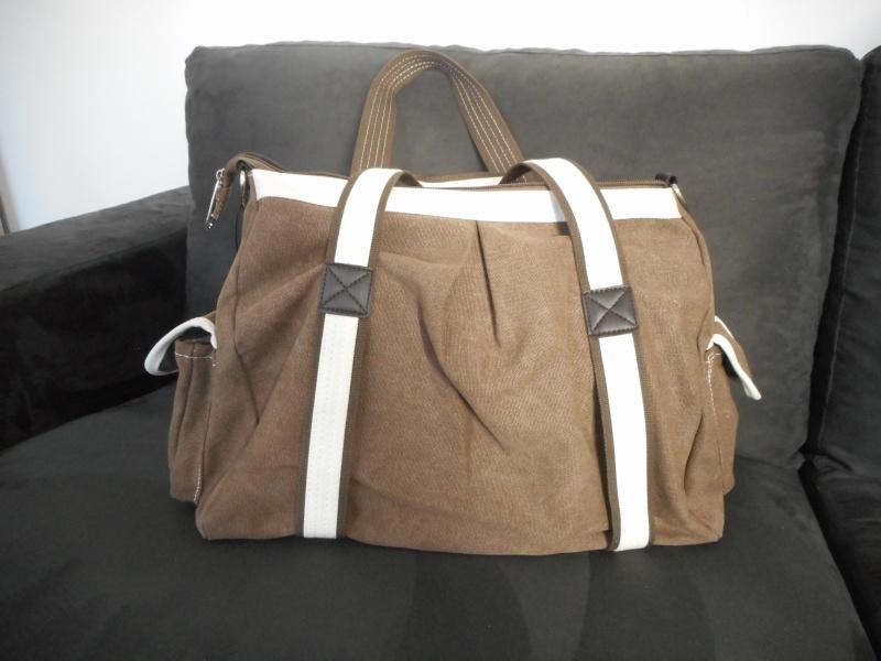 Pour quel sac/cartable/besace/gibecière avez-vous opté pour trimballer votre bazar ? Dscn2610