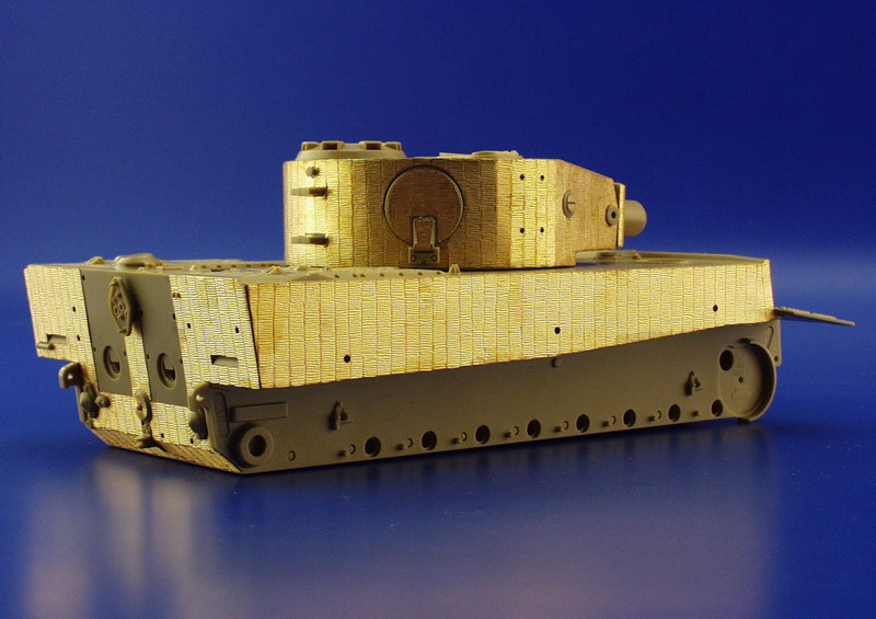WW II TIGER I MID PROD VERSION 1852_310