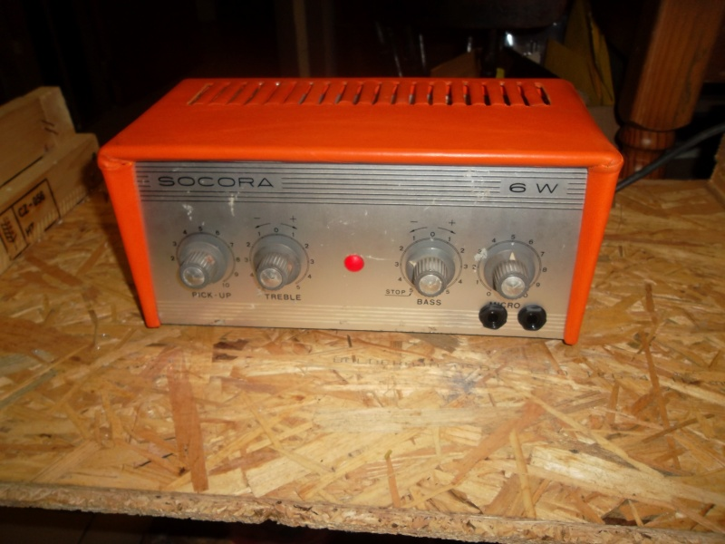 besoin d'aide : transformer un vieil ampli à lampe en ampli guitare Sam_1321