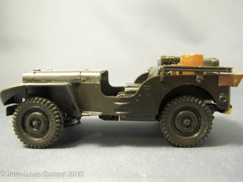Jeep Willys - HQ-Troop, 2nd Reconnaissance Squadron, 8th Cavalery, 4th Infantry Division 1945 - REVELL 03015 - 1/35 27102018