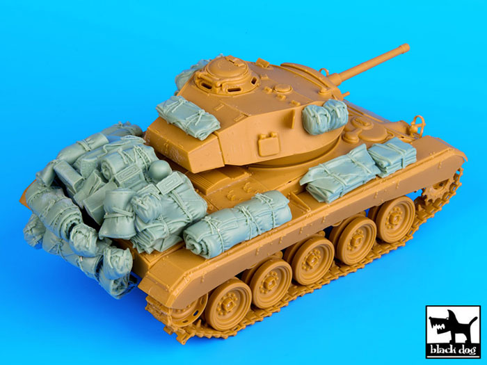 """M-24 Chaffee """"Indochine"""" - ITALERI 244 + photo-découpe Eduard 35608 + canon RB Model 35B27 + paquetages Blackdog T35070 Blackd10"""
