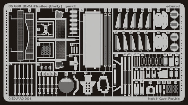 "M-24 Chaffee ""Indochine"" - ITALERI 244 + photo-découpe Eduard 35608 + canon RB Model 35B27 + paquetages Blackdog T35070 Eduard11"