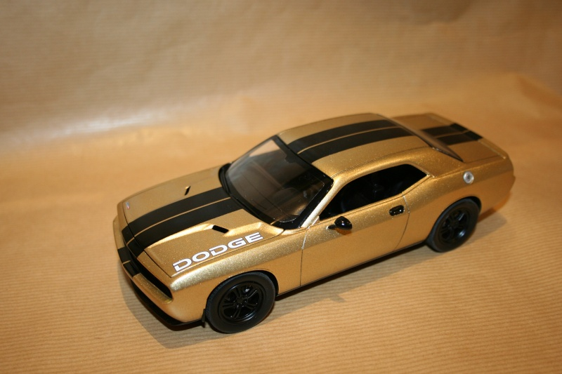 "'09 Dodge Challenger ""Ecstasy of Gold"" (Revell) [Terminé] 110"