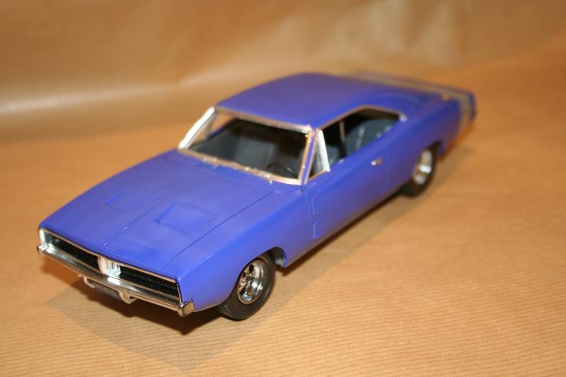 "'69 Dodge Charger ""Plum not so crazy"" (MPC) [Terminée] 111"