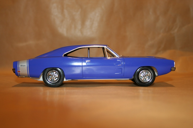 "'69 Dodge Charger ""Plum not so crazy"" (MPC) [Terminée] 311"
