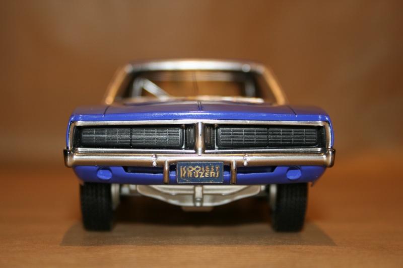 "'69 Dodge Charger ""Plum not so crazy"" (MPC) [Terminée] 411"